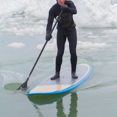 paddle-boarding-among-icebergs-lake-michigan-2