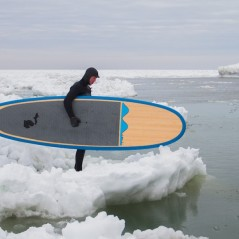 paddle-boarding-among-icebergs-lake-michigan-6