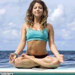 Асаны для начинающих в SUP-йоге
